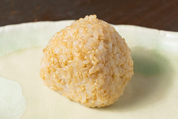 玄米は茨城県産のミルキークイーンの第一人者、大野さんのお米を使用。