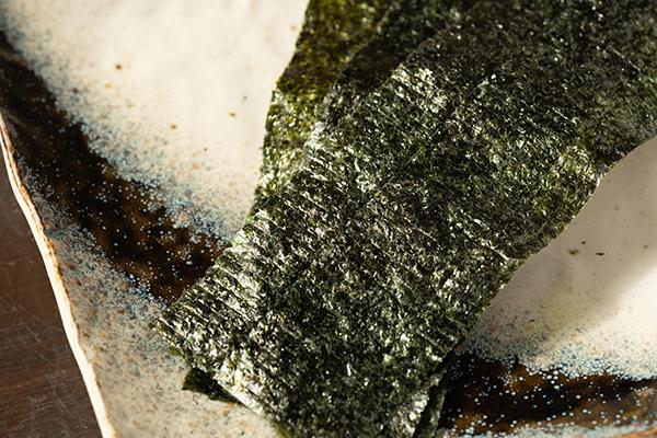 海苔は九州有明産の海苔を使用。